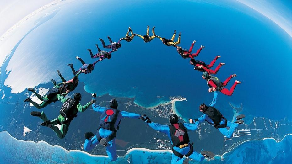 saut-en-parachute-a-plusieurs